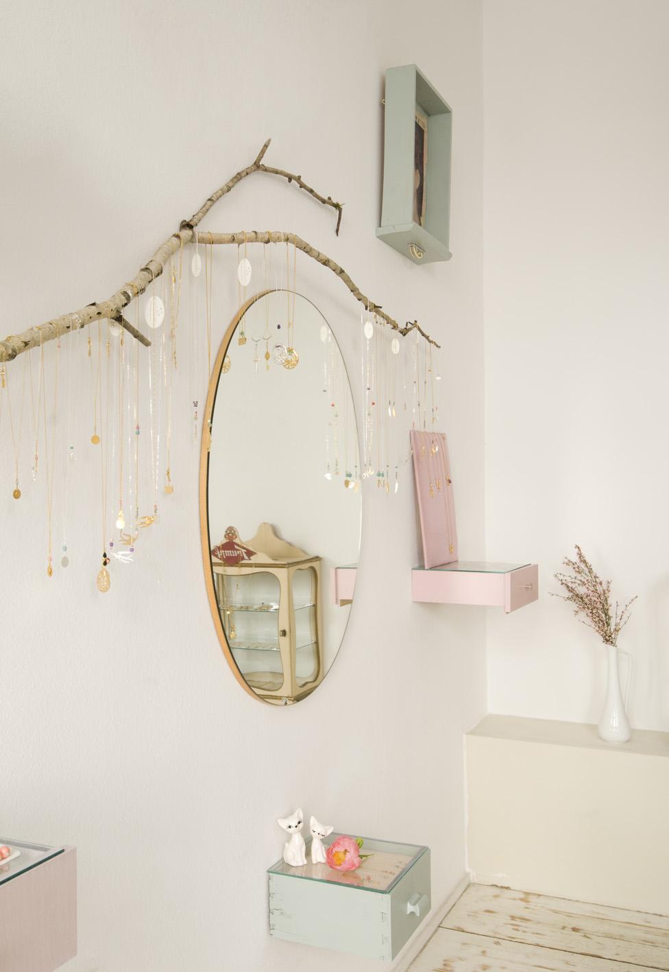 Decoration Cocooning Avec Plume Pour Anniversaire