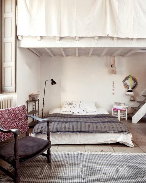Chambre un lit au sol une hirondelle dans les tiroirs - Mattress on the floor ideas ...