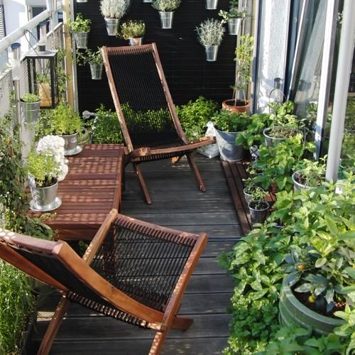 16 id es de d coration pour petit balcon une hirondelle dans les tiroirs. Black Bedroom Furniture Sets. Home Design Ideas