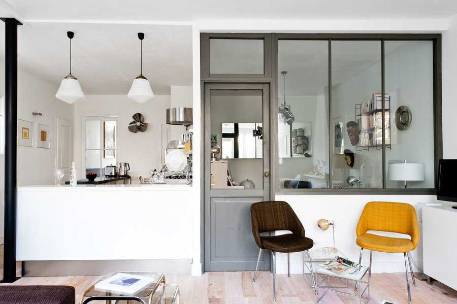 une maison bordelaise blanche et acidulée  Une hirondelle