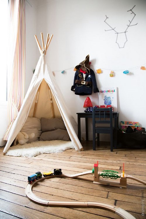 un tipi dans sa chambre d 39 enfant une hirondelle dans les tiroirs. Black Bedroom Furniture Sets. Home Design Ideas