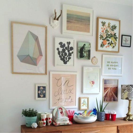 Des affiches sur les murs 9 adresses pour en trouver - Decorer un mur de salon ...