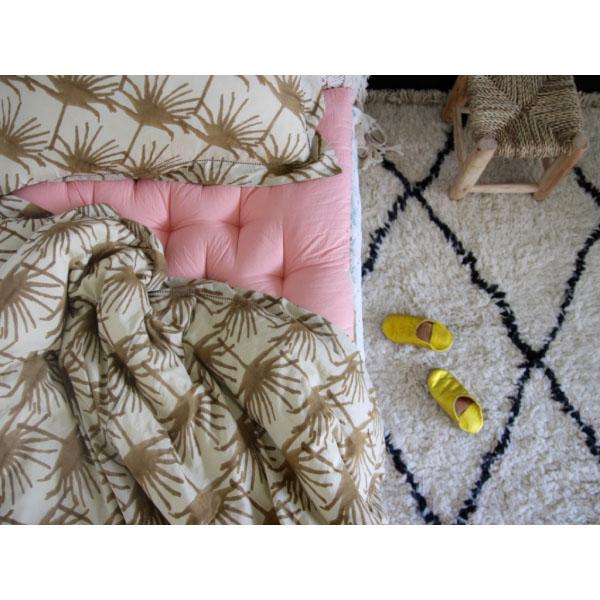 bonjour le beau linge de maison d 39 anne millet une. Black Bedroom Furniture Sets. Home Design Ideas