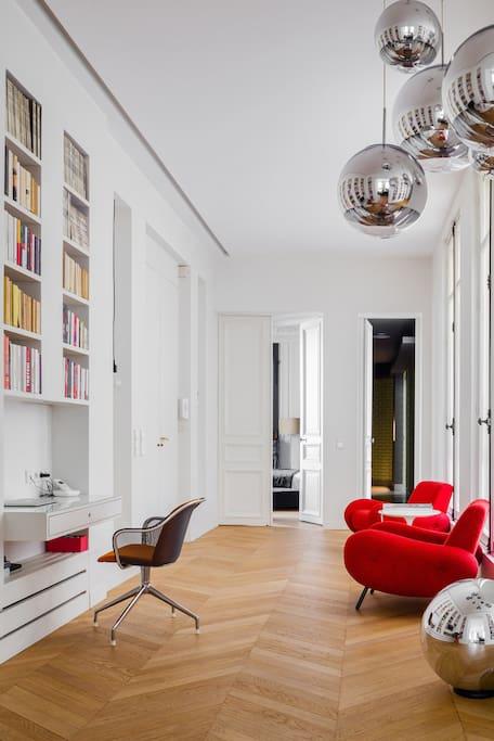 decoration arty 21 une hirondelle dans les tiroirs. Black Bedroom Furniture Sets. Home Design Ideas