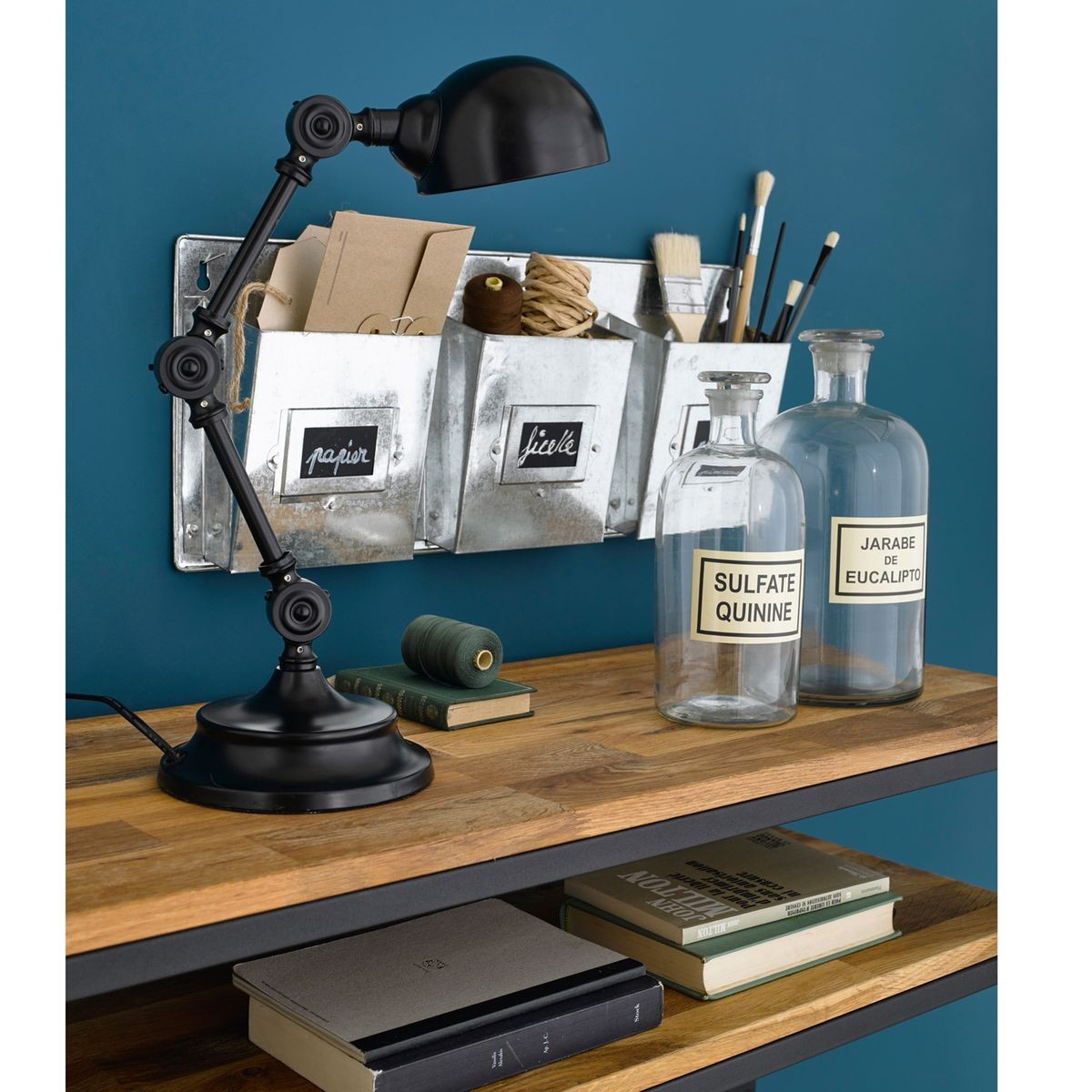 lampe bureau design 4 une hirondelle dans les tiroirs. Black Bedroom Furniture Sets. Home Design Ideas